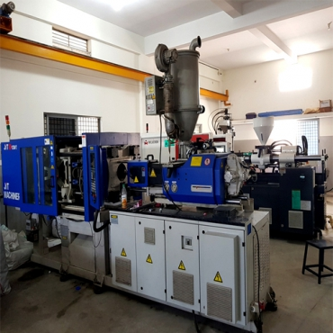 Plastic Injection Molding Machines 1